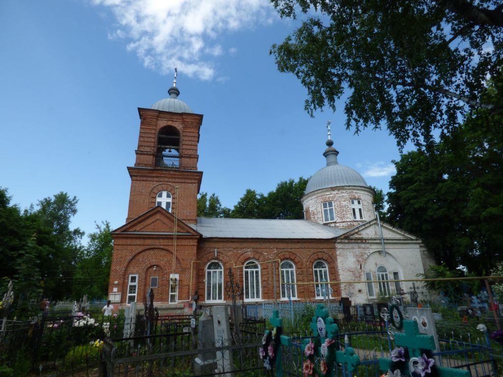 Нижегородская область, Сергачский район, Сергач. Церковь Иоанна Милостивого, фотография. фасады, Общий вид на храм с южной стороны.