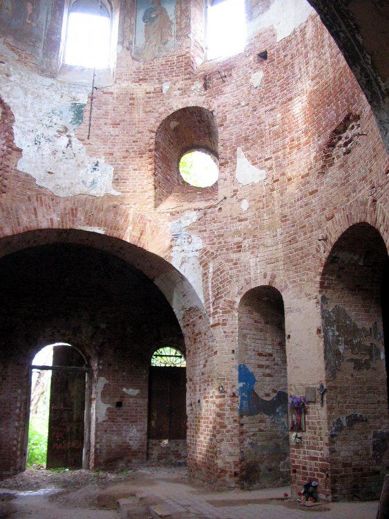 Церковь Николая Чудотворца, Пухлима