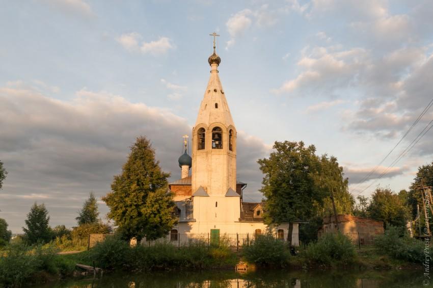 Ярославская область, Ярославль, город, Лучинское. Церковь Иоакима и Анны, фотография. фасады