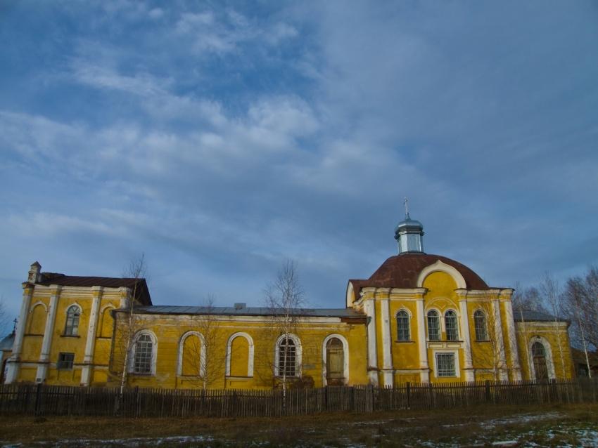Республика Башкортостан, Дуванский район, Дуван. Церковь Петра и Павла, фотография. фасады