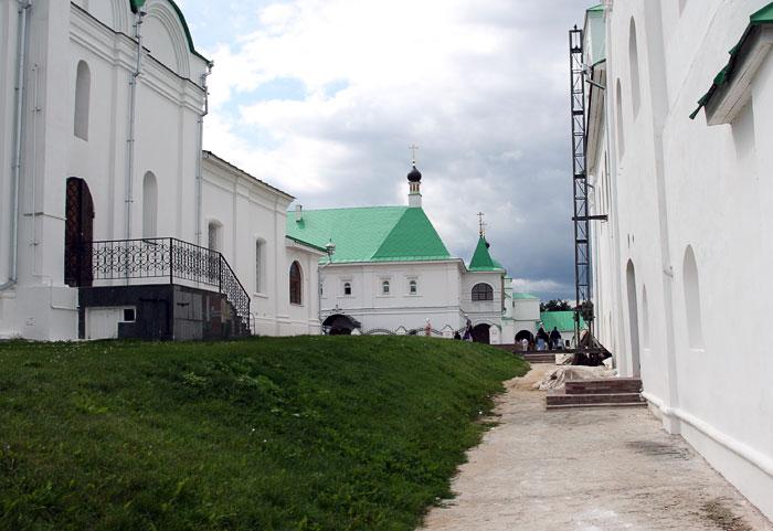 Спасский мужской монастырь. Церковь Василия, епископа Рязанского при настоятельском доме, Муром