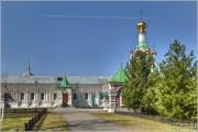 Толга. Введенский Толгский женский монастырь. Часовня на могиле убиенных иноков