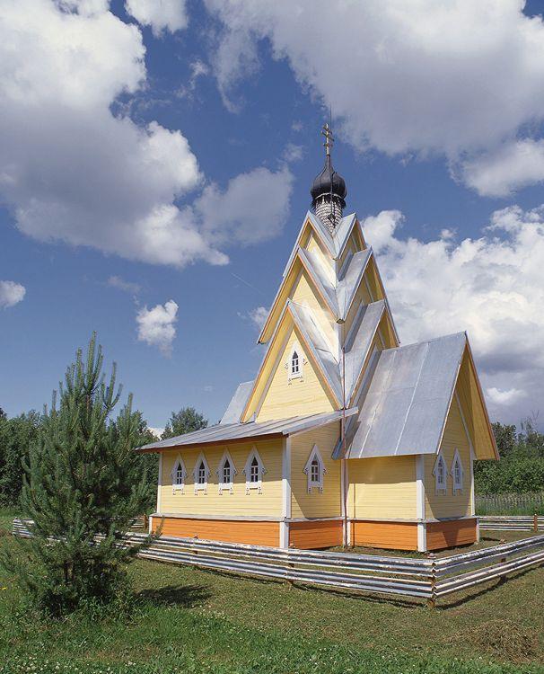 Вологодская область, Белозерский район, Никиткино. Церковь Илии Пророка, фотография. фасады, На момент съёмки в церкви велись отделочные работы. Скорее всего, на данный момент она ещё не освящена.