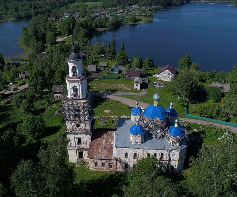Церковь Троицы Живоначальной, Осечно