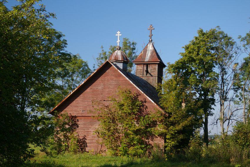 Латвия, Даугавпилсский край, г. Даугавпилс, Бондаришки. Неизвестная старообрядческая моленная, фотография. общий вид в ландшафте