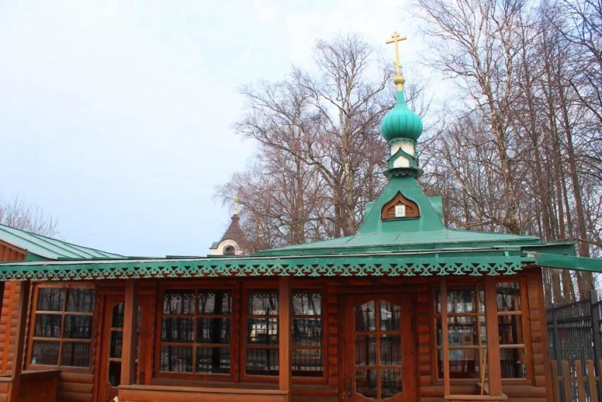Московская область, Сергиево-Посадский городской округ, Деулино. Неизвестная часовня, фотография. фасады, Западный фасад