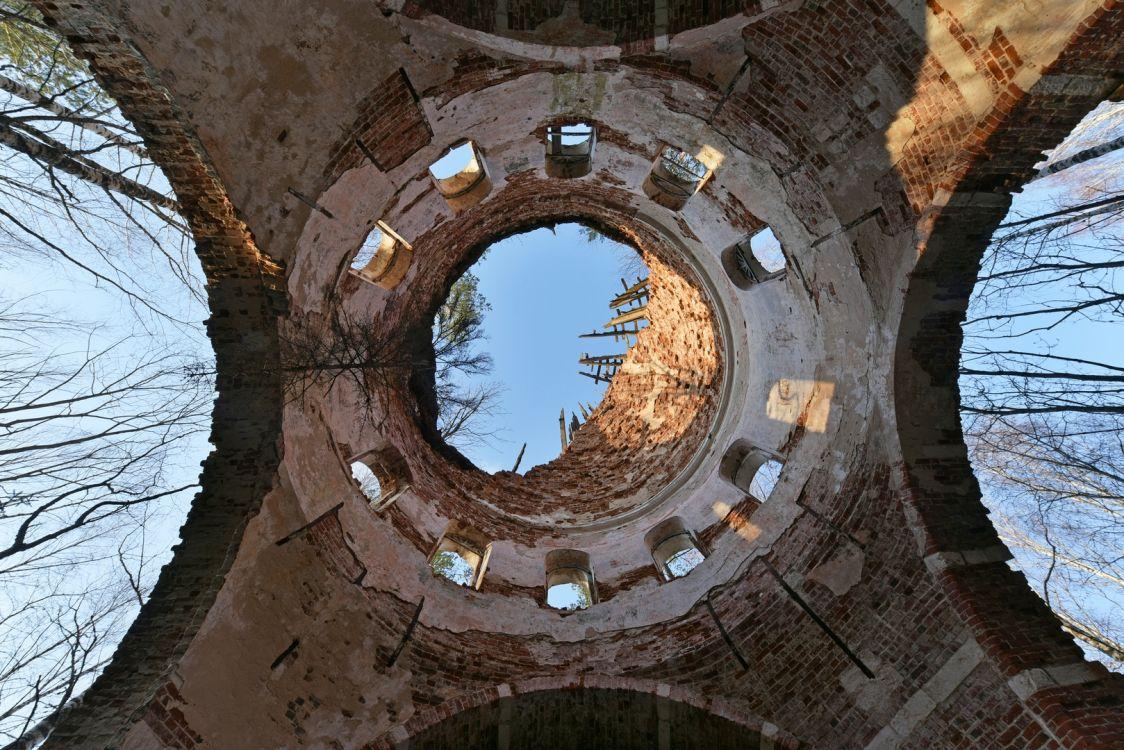 Церковь Михаила Архангела, Холмец, погост