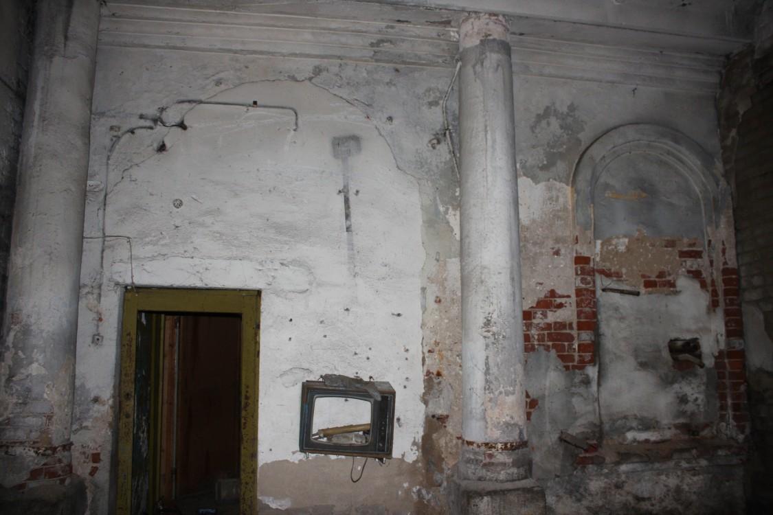 Церковь Троицы Живоначальной, Устюжна