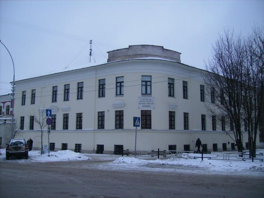 Домовая церковь Покрова Пресвятой Богородицы и Александры Римской при бывшей женской гимназии, Вологда