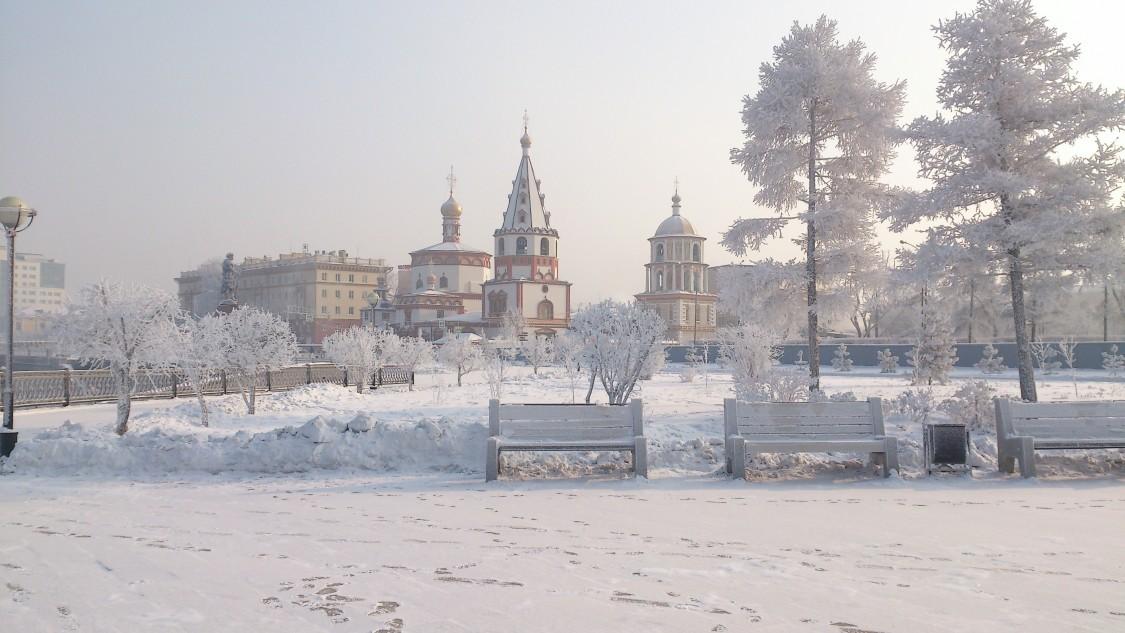 Иркутская область, Иркутск, город, Иркутск. Собор Богоявления Господня, фотография. общий вид в ландшафте
