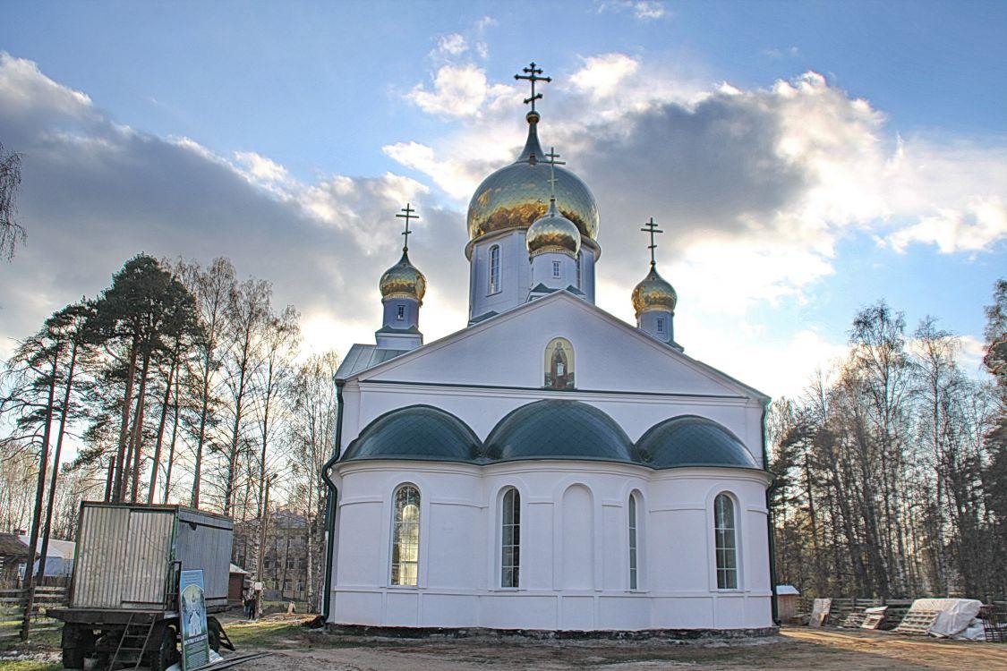 Вологодская область, Бабаевский район, Бабаево. Церковь Гурия Шалочского, фотография. фасады, Строительство храма продолжается