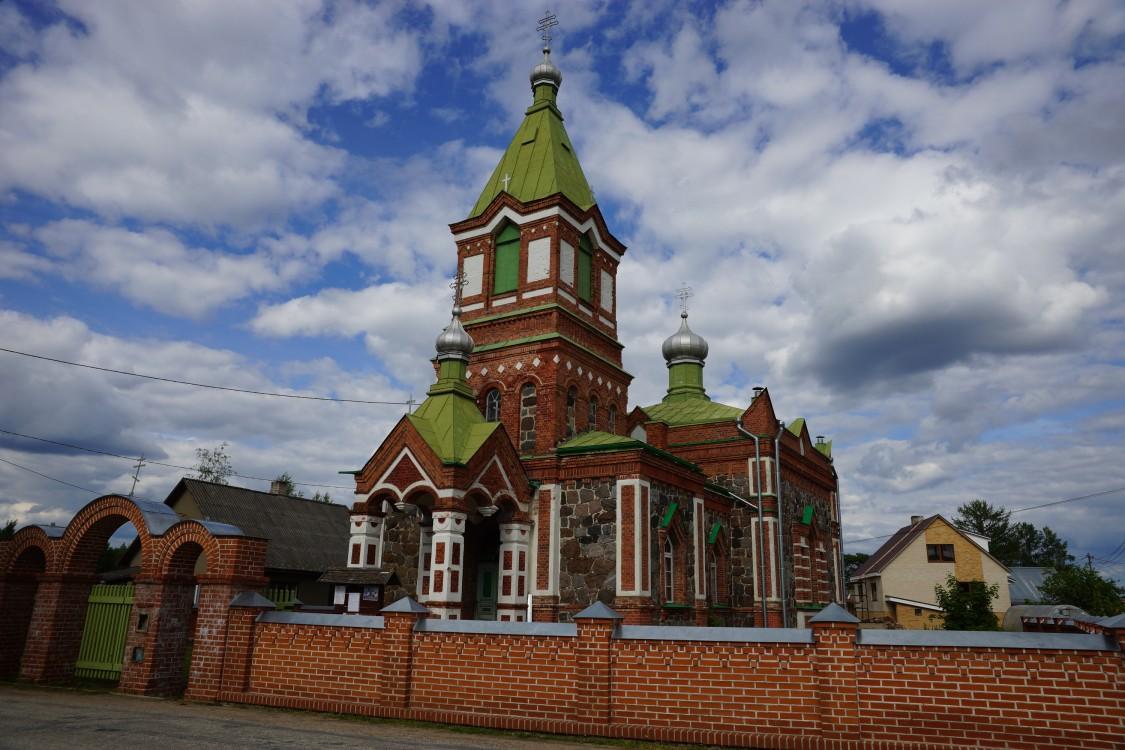 Эстония, Ида-Вирумаа, Лохусуу. Церковь Богоявления Господня, фотография. фасады