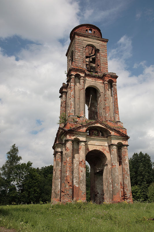 Колокольня церкви Троицы Живоначальной-Воронино-Ростовский район-Ярославская область