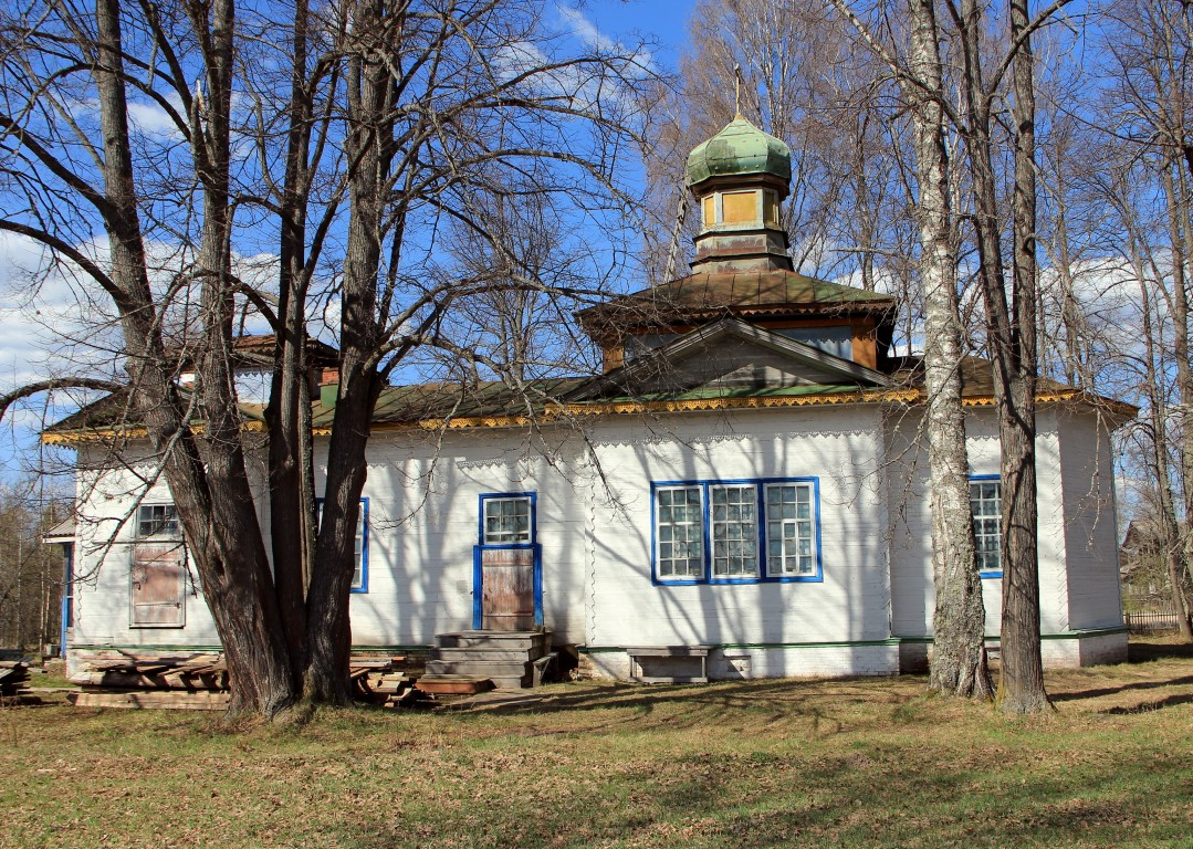 Кировская область, Опаринский район, Шадрино. Церковь Михаила Архангела, фотография. фасады