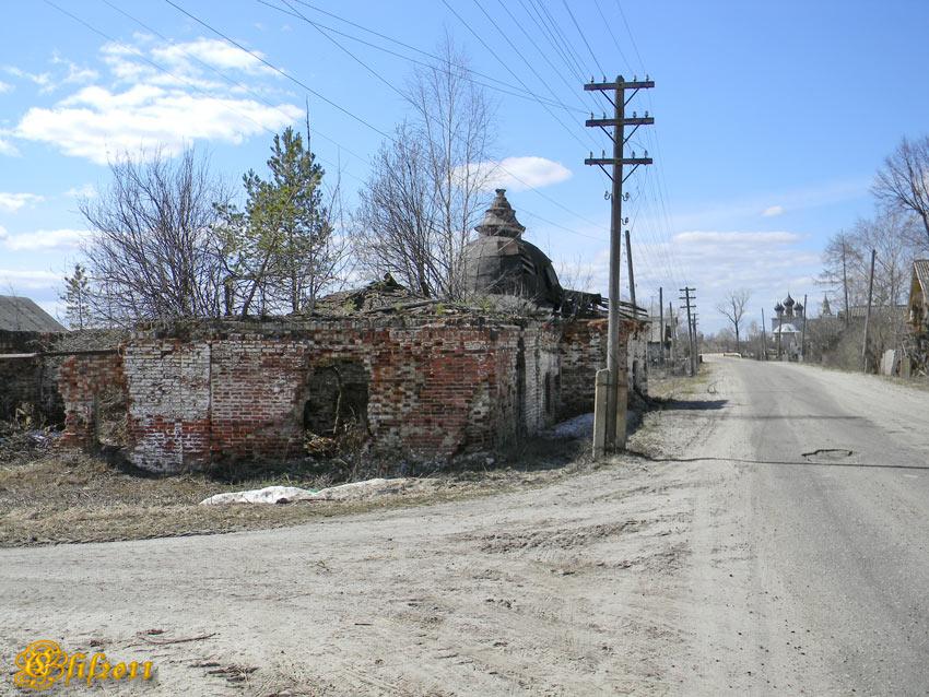 Ивановская область, Пестяковский район, Нижний Ландех. Неизвестная часовня, фотография. общий вид в ландшафте