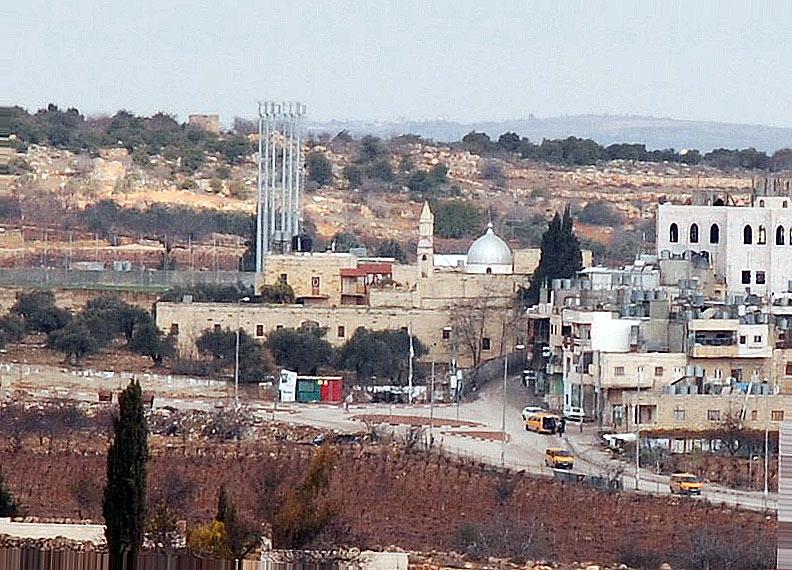 Прочие страны, Палестина, Вифлеем. Монастырь Георгия Победоносца, фотография. общий вид в ландшафте, Вид с юга.