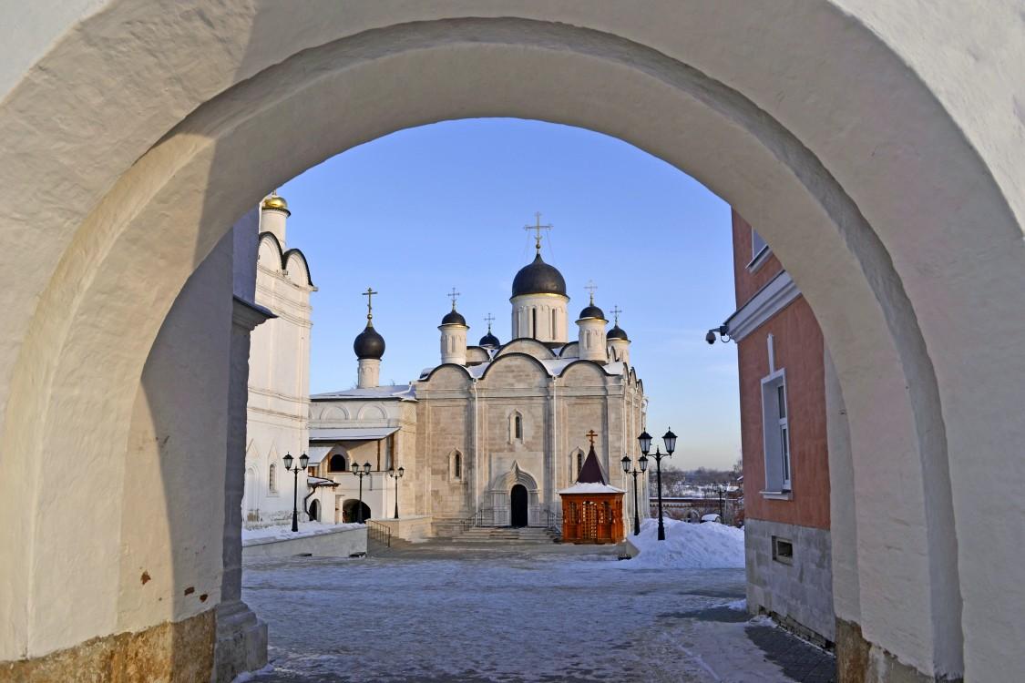 Введенский Владычный монастырь. Собор Введения во храм Пресвятой Богородицы, Серпухов