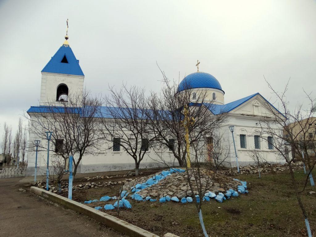 Украина, Николаевская область, Новоодесский район, Гурьевка. Церковь Покрова Пресвятой Богородицы, фотография.