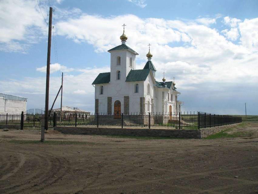 Казахстан, Восточно-Казахстанская область, Митрофановка. Церковь Петра и Павла, фотография. общий вид в ландшафте