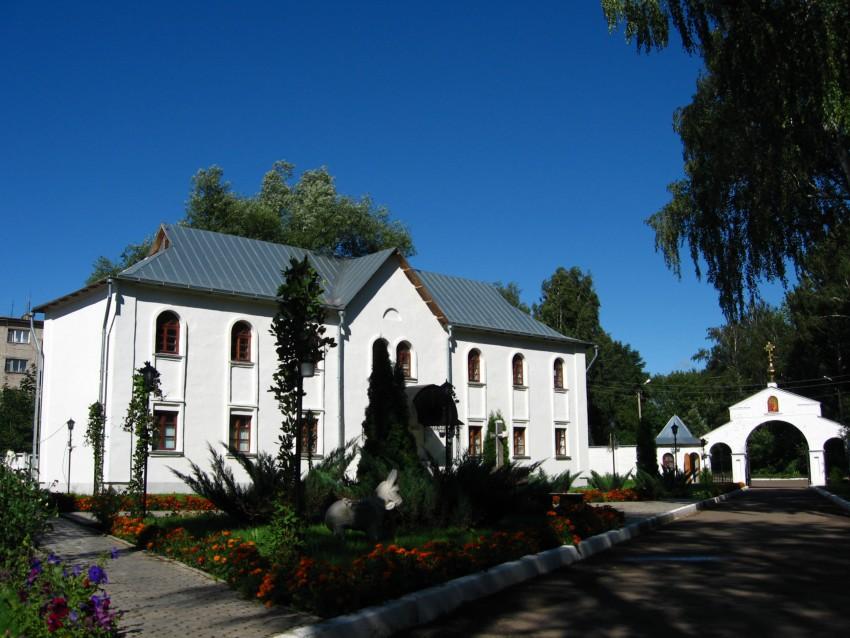 Успенский мужской монастырь, Новомосковск