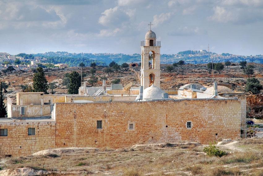 Прочие страны, Израиль, Иерусалим - Новый город. Монастырь Илии Пророка, фотография. общий вид в ландшафте, Общий вид с востока, с Холма Илии Пророка.