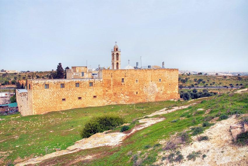 Прочие страны, Израиль, Иерусалим - Новый город. Монастырь Илии Пророка, фотография. общий вид в ландшафте, Общий вид с юго-востока.