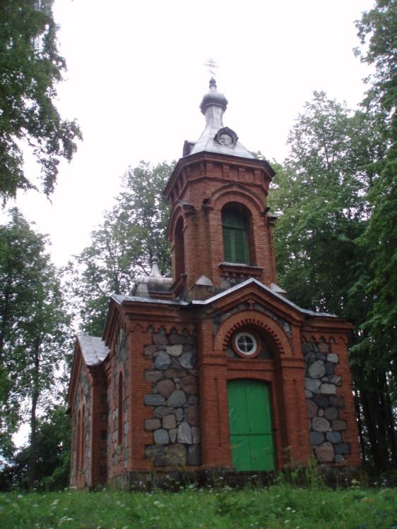 Латвия, Даугавпилсский край, г. Даугавпилс, Янюциемс (Фабианово). Церковь Георгия Победоносца, фотография. фасады
