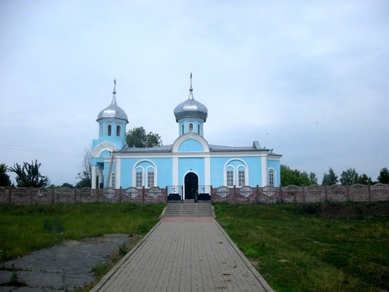 Белгородская область, Чернянский район, Ольшанка. Церковь Троицы Живоначальной, фотография. общий вид в ландшафте
