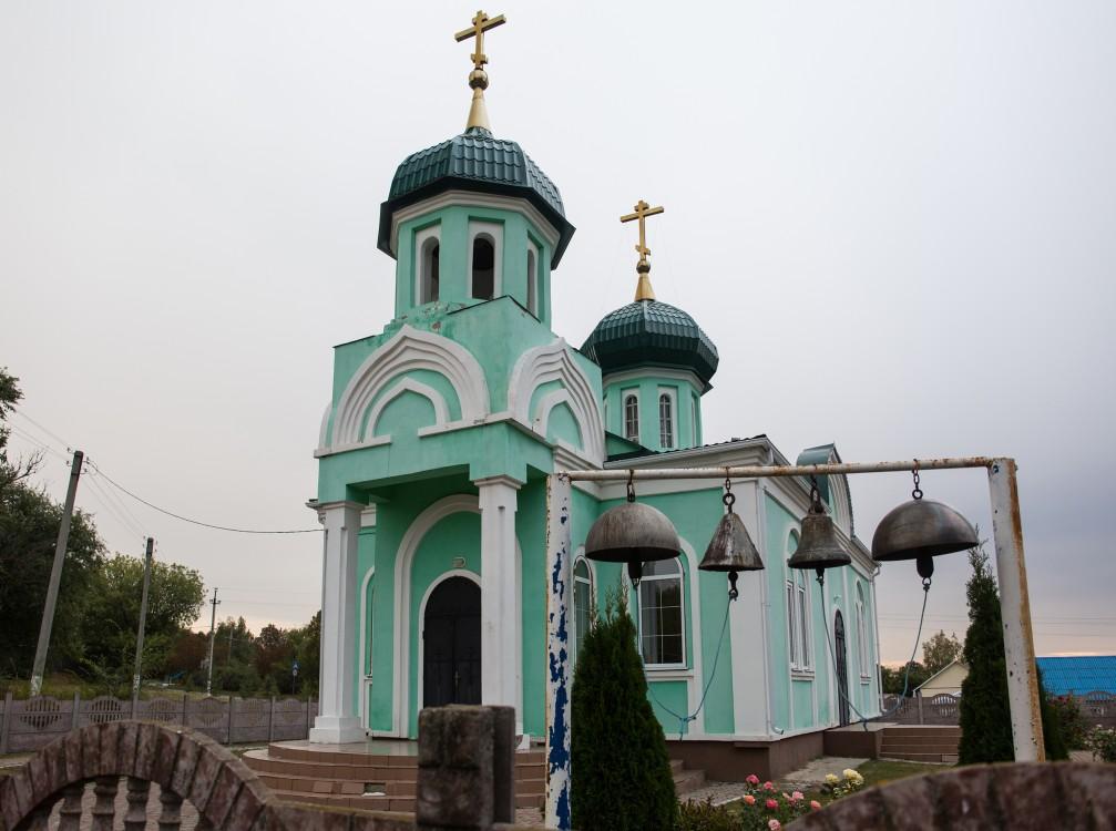 Белгородская область, Чернянский район, Ольшанка. Церковь Троицы Живоначальной, фотография. фасады