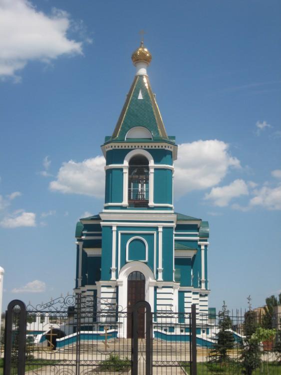 Астраханская область, Астрахань, город, Астрахань. Церковь Феодоровской иконы Божией Матери, фотография. общий вид в ландшафте
