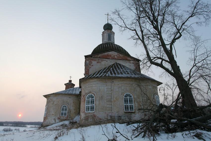 Ярославская область, Угличский район, Масальское. Церковь Рождества Христова, фотография. общий вид в ландшафте