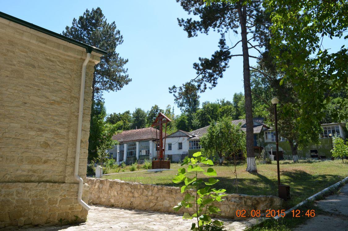 Молдова, Кишинёв, Кондрица. Никольский мужской монастырь, фотография. дополнительная информация, Внутренний дворик