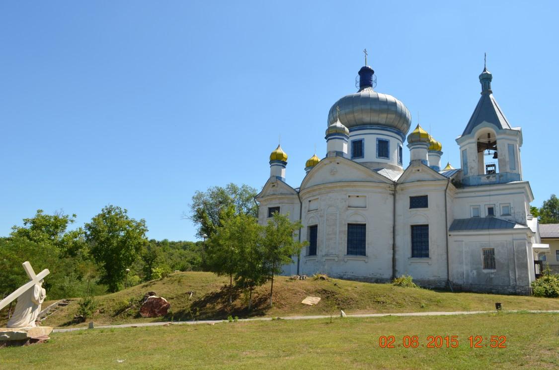Молдова, Кишинёв, Кондрица. Никольский мужской монастырь, фотография. общий вид в ландшафте