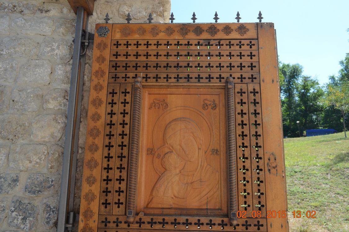 Молдова, Кишинёв, Кондрица. Никольский мужской монастырь, фотография. архитектурные детали, Монастырские врата