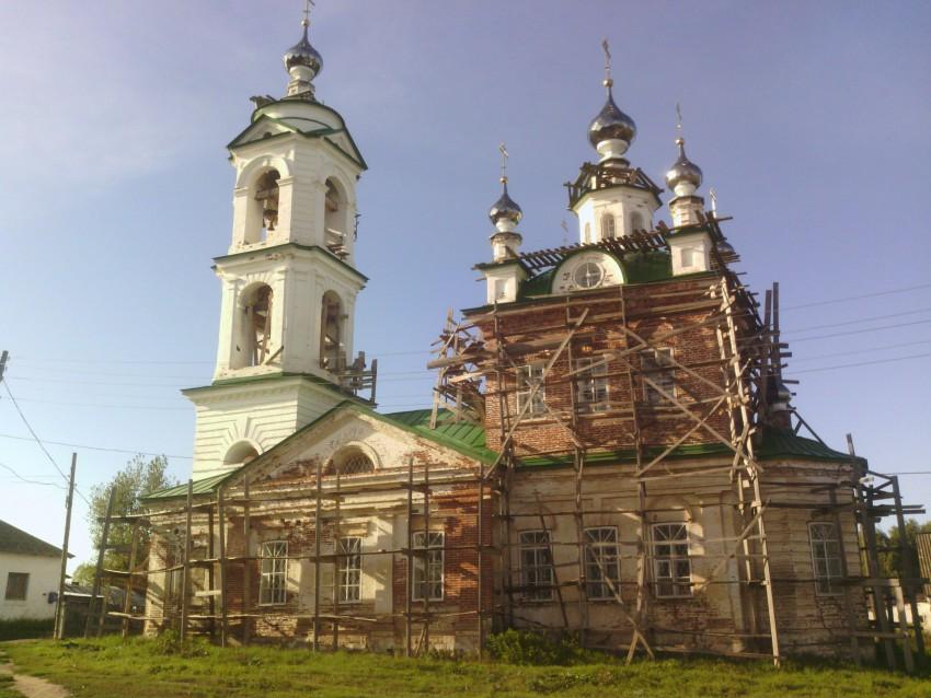 Пермский край, Кунгурский район и г. Кунгур, Неволино. Церковь Николая Чудотворца, фотография. фасады, Церковь всё еще восстанавливается, но службы ведутся.