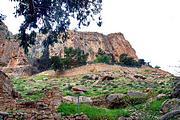 Иудейская пустыня, Вади Кельт (Нахаль Прат). Монастырь Харитона Исповедника