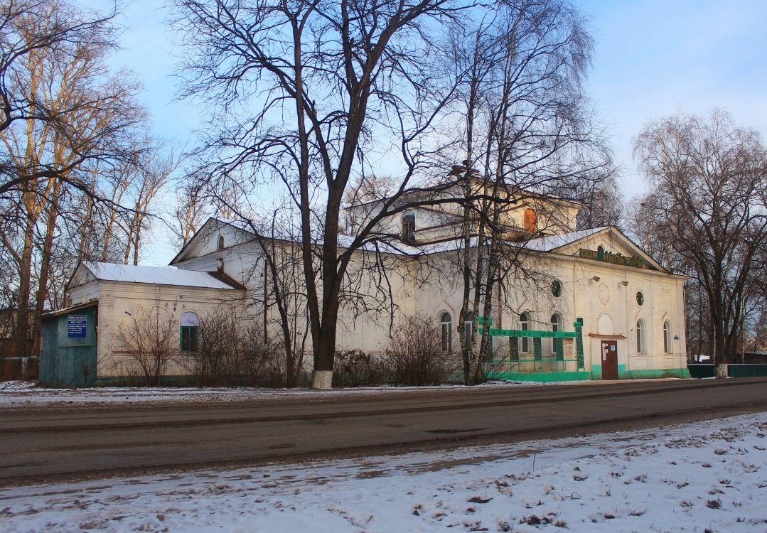 Вологодская область, Сокольский район, Кадников. Церковь Богоявления Господня, фотография. общий вид в ландшафте