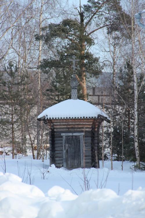 Вологодская область, Вологда, город, Прилуки. Спасо-Прилуцкий мужской монастырь. Неизвестная водосвятная часовня, фотография. общий вид в ландшафте