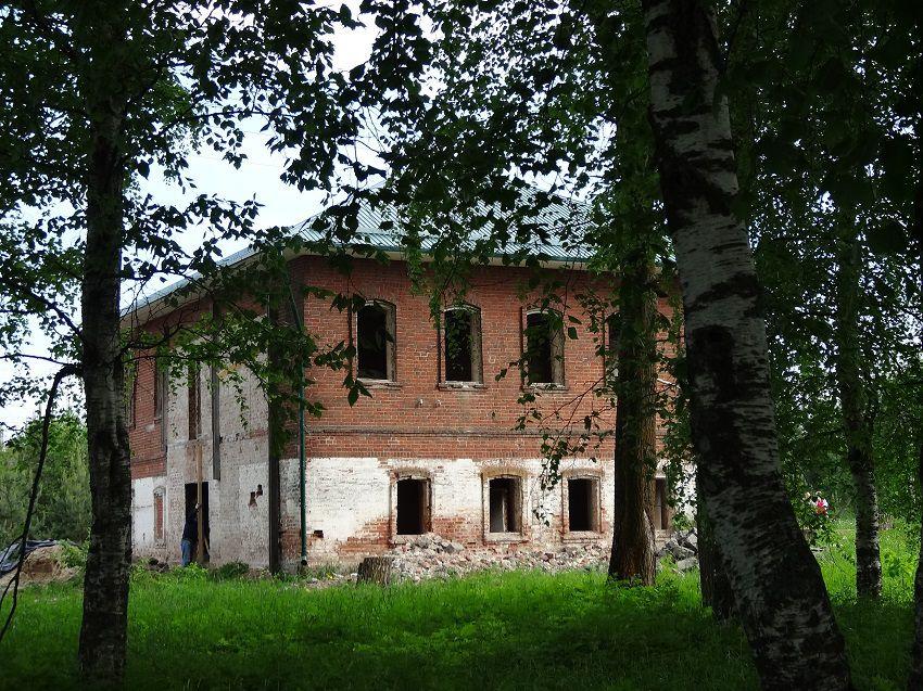 Арсениево-Комельский Ризоположенский монастырь, Бушуиха