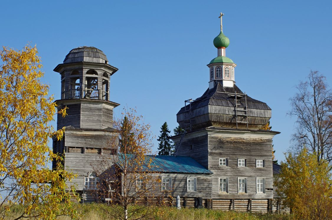 Церковь Богоявления Господня, Поле (Есенская)
