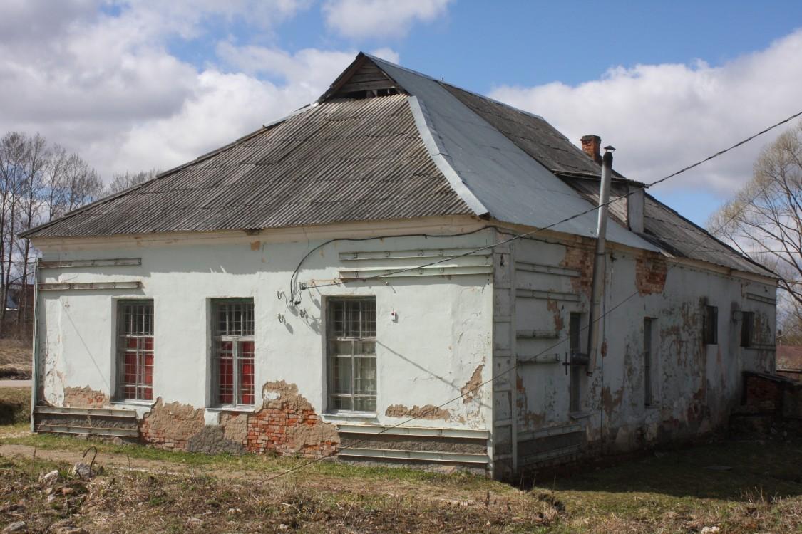 Церковь Николая Чудотворца, Износки