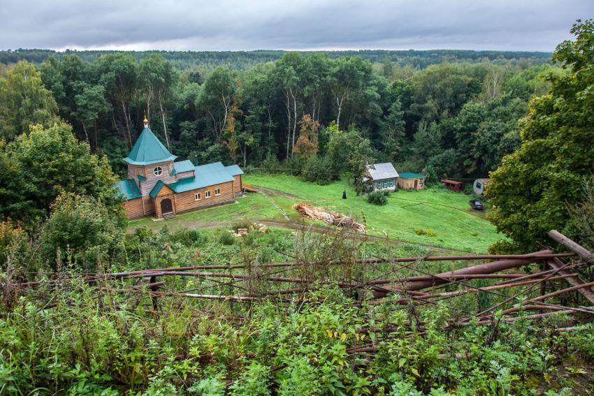 Пензенская область, Наровчатский район, Сканово. Сканов пещерный мужской монастырь, фотография. общий вид в ландшафте