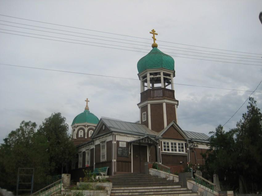 Астраханская область, Астрахань, город, Астрахань. Церковь Иоанна Предтечи на старом кладбище, фотография. общий вид в ландшафте