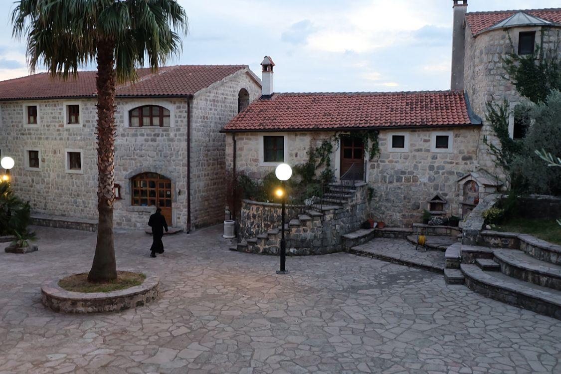 Прочие страны, Черногория, Будва. Успенский Богородицкий монастырь Подмаине, фотография. фасады