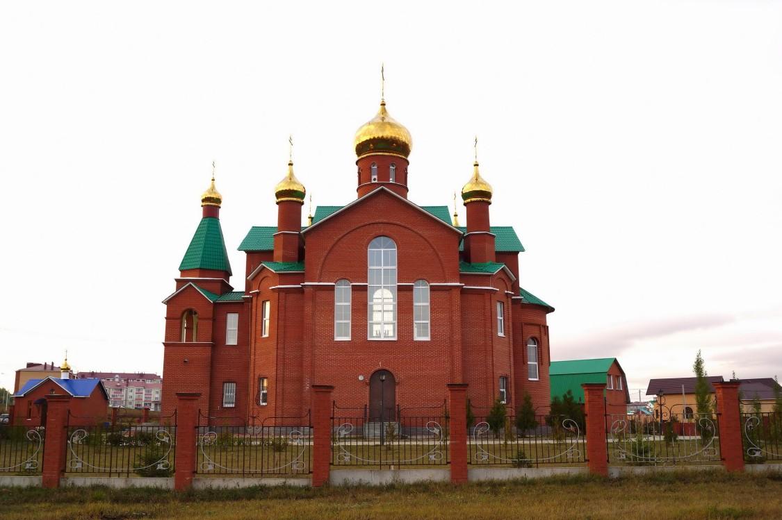 Республика Татарстан, Бавлинский район, Бавлы. Церковь Серафима Саровского, фотография. фасады