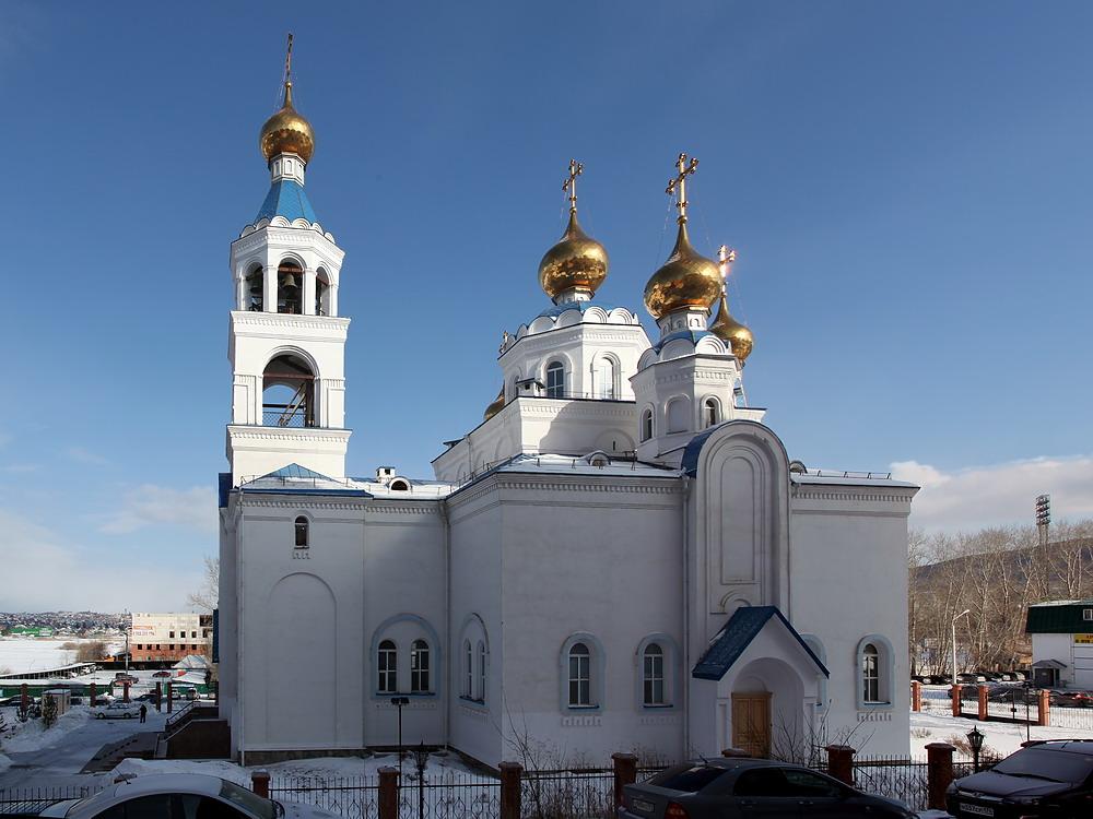 Челябинская область, Миасс, город, Миасс. Собор Богоявления Господня, фотография. фасады, Южный фасад