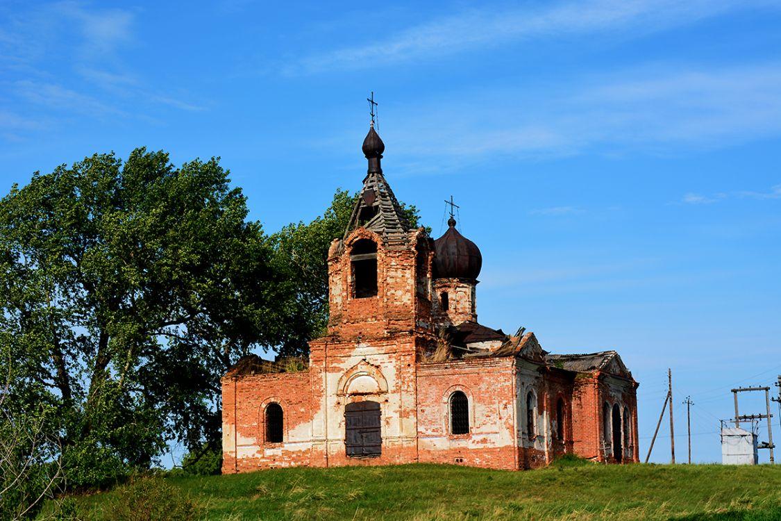 Курганская область, Мишкинский район, Шаламово. Церковь Иоанна Предтечи, фотография. общий вид в ландшафте