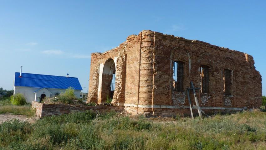 Церковь Покрова Пресвятой Богородицы и Василия Великого, Переволоки