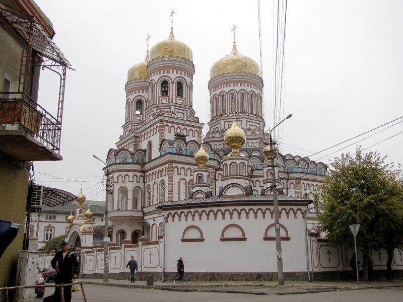 Черновицкий Введенский женский монастырь, Черновцы