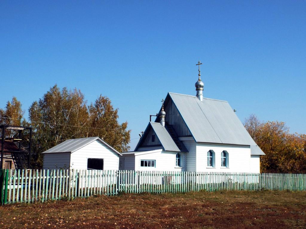 Республика Татарстан, Черемшанский район, Кутёма. Церковь Богоявления Господня (новая), фотография. фасады